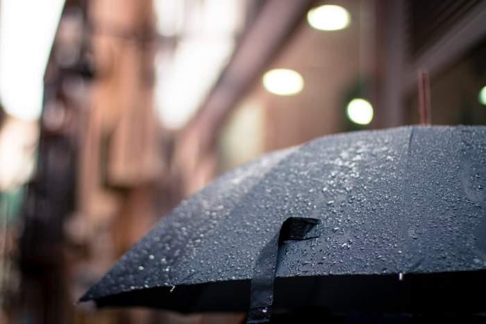 Prognoză meteo, duminică, 14 aprilie. Cum va fi vremea în Bucureşti, Iaşi, Constanţa sau Cluj. Nu scăpăm de ploi!
