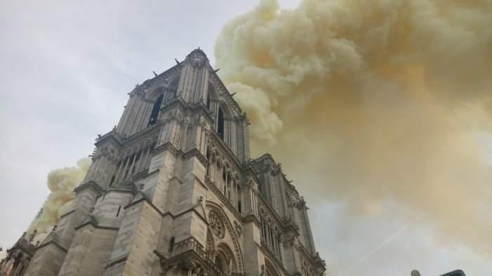 Ce spun autorităţile despre incendiul devastator de la catedrala Notre Dame din Paris. VIDEO