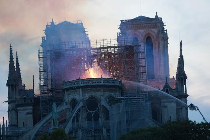 Patronul unui club de fotbal donează 100 de milioane de euro pentru reconstrucția Catedralei Notre-Dame!