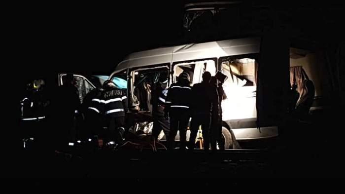 Dezvăluiri cutremurătoare! Şoferul microbuzului, lovit de tren în Buzău, avea permisul suspendat