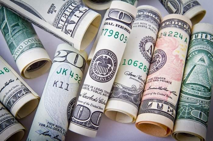 Curs valutar BNR azi, 2 aprilie. Cea de-a doua zi în care Euro scade în favoarea monedei naţionale