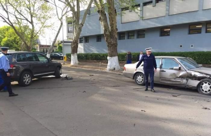 Accidente grave, în Joia Mare, în Oradea şi Braşov. Sunt mai multe maşini implicate