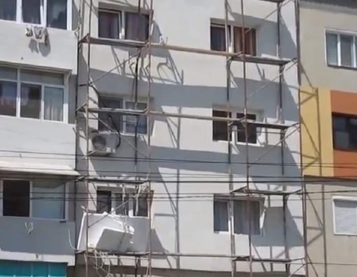 Un zidar din Piatra-Neamţ a căzut în gol de la etajul 3 al unui bloc