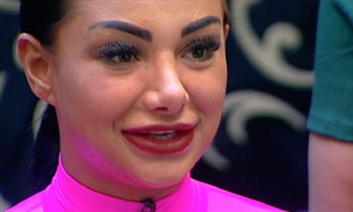 Să vezi şi să nu crezi! Cu ce se ocupă acum Larisa Munteanu, dansatoarea preferată a maneliştilor / VIDEO