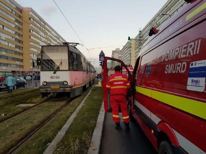 Accident grav în Bucureşti, pe linia tramvaiului 41! Circulaţia este complet blocată