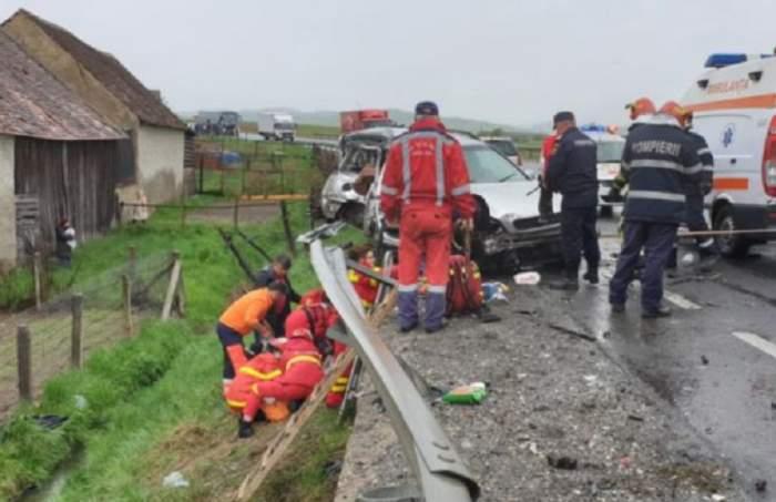 Accident grav pe DN1! O tânără de 24 de ani a murit, după ce o maşină şi un autocar s-au ciocnit