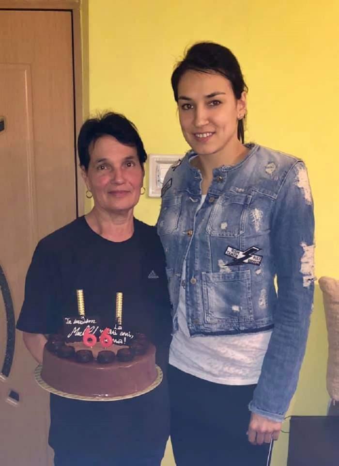 """Sărbătoare în familia handbalistei Cristinei Neagu: """"Eroina mea, la mulţi ani"""""""