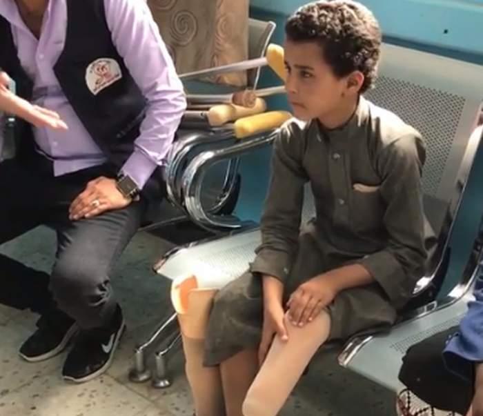 """Povestea băieţelului rămas fără un picior face înconjurul lumii. """"Celui care mi-a făcut asta, am un singur lucru să-i spun"""""""