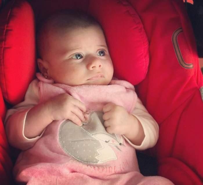 Iris, fetiţa Gabrielei Cristea, împlineşte astăzi două luni. Cât de frumos se poartă Victoria cu surioara ei