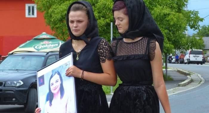 """Lacrimi și durere la parastasul de 1 an al Mădălinei Părja, victima accidentului din Jibou: """"Ți-aș da din zilele mele"""""""