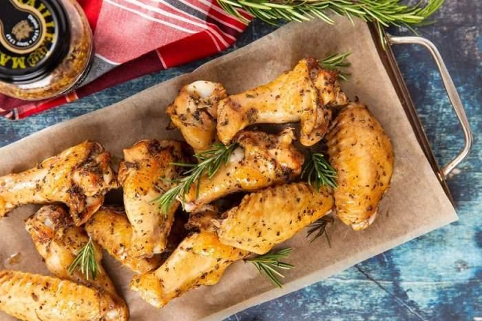 REȚETE de prânz: Aripioare de pui cu sos de miere, muștar și soia