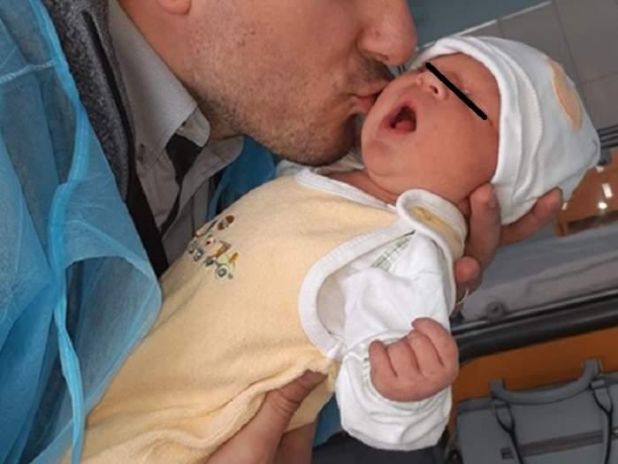 Soţia unui fost concurent la MPFM a născut! Primele imagini cu bebeluşul