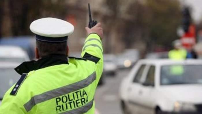 Poliţist lovit cu maşina şi târât zeci de metri pe asfalt. Şoferul vinovat nu a vrut să se legitimeze
