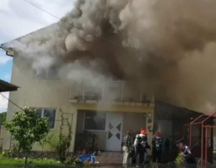 Un bărbat din Argeș și-a incendiat casa, din greșeală! Cum a fost posibil
