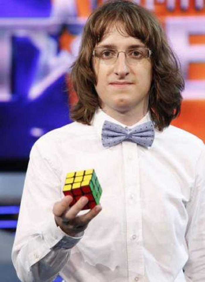 """Îl mai știi pe Cristian Leana, """"Domnu' Puzzle""""? Ce s-a ales de maestrul cubului rubik"""