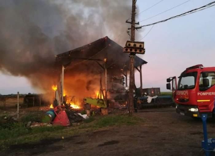 Incendiu, joi dimineaţă, în Botoşani. Trei echipaje de pompieri au intervenit