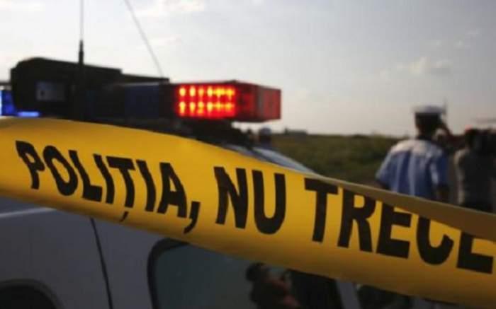 Alertă în Caraş Severin! Accident grav între o maşină a Poliţiei şi un TIR