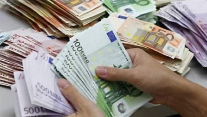 Curs valutar BNR azi, 6 mai: Euro și dolarul se prăbușesc, lira sterlină crește