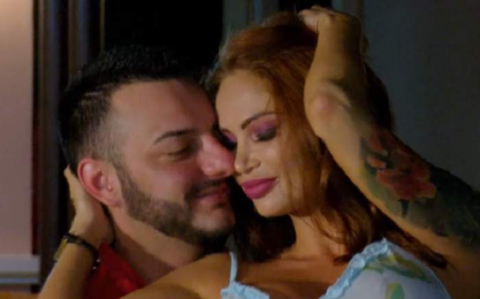 Adrian şi ispita Maria, sărut pasional dis-de-dimineaţă! Ce a spus focoasa roşcată despre cele întâmplate. VIDEO
