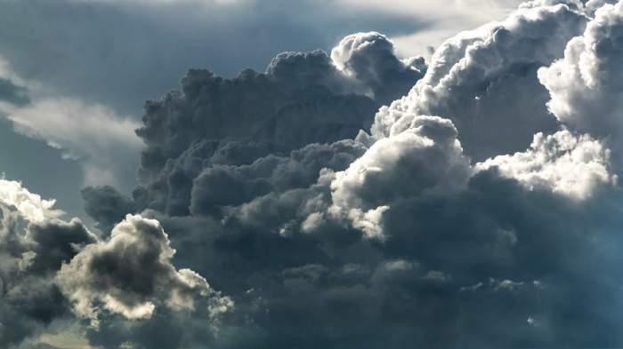 Atenţionare meteo! Cod Portocaliu de vreme severă, în mai multe regiuni ale ţării