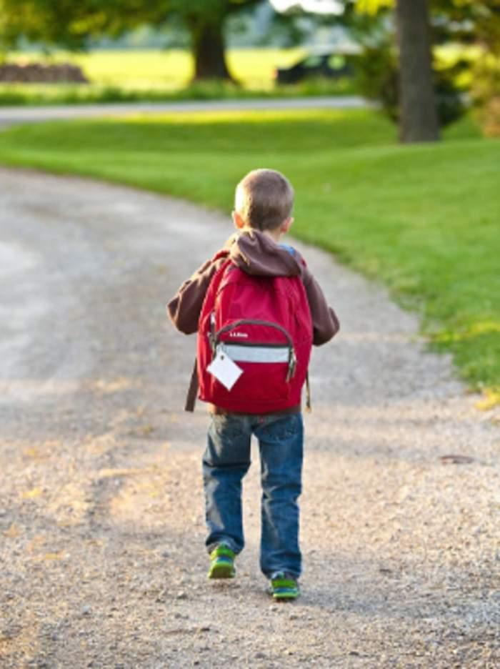 Cum să îi pregătești pe cei mici și pe cei mari pentru prima zi de școală