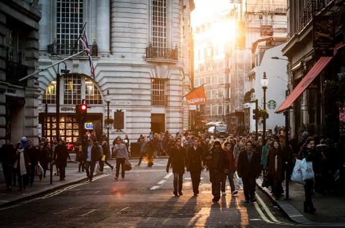 8 avantaje pentru care iubim orașele mari