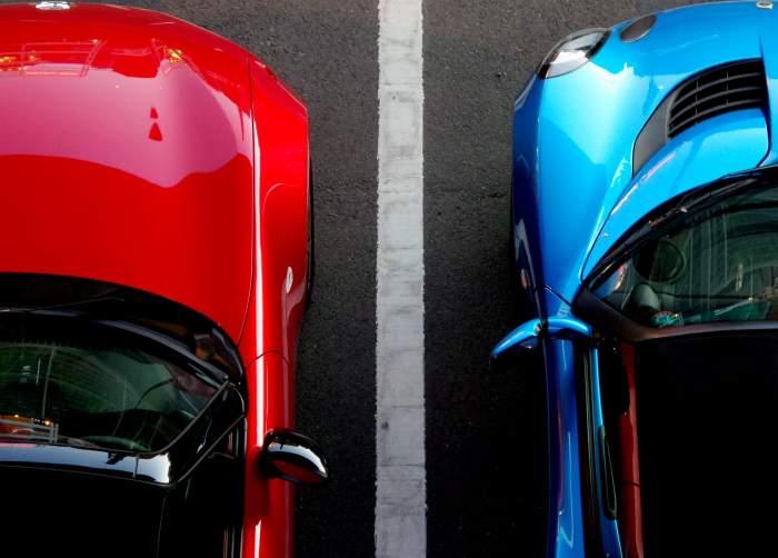 Două femei s-au luat la ceartă pe un loc de parcare. Una dintre ele a murit înjunghiată