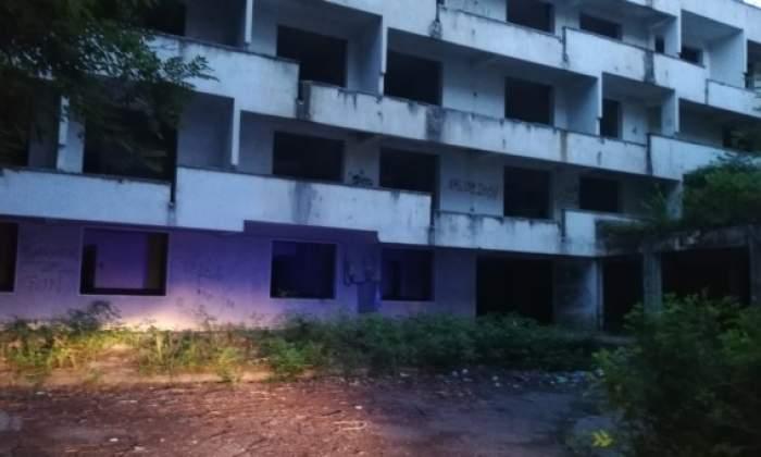 O adolescentă de 16 ani din Constanța s-a aruncat de la etajul 3 al unui hotel abandonat. De ce a recurs la acest gest