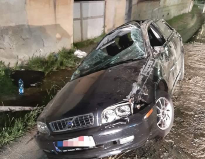 Accident cumplit în Sibiu! A intrat cu maşina într-un stâlp, iar o tânără de 18 ani a murit