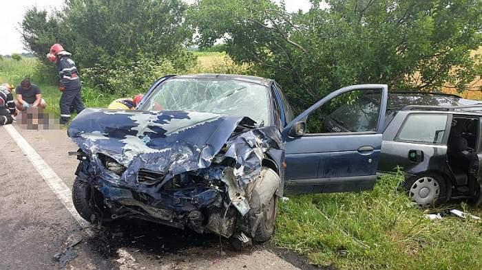 Cinci victime, dintre care două sunt în comă, după un grav accident în Ialomița. Intervin elicopterele SMURD