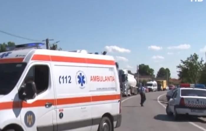 Scene de coșmar în fața unui supermarket din Focșani! Un tânăr de 21 de ani a fost înjunghiat