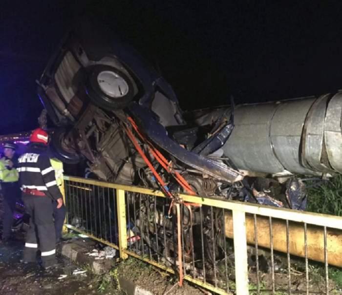 Accident grav în Vâlcea! Trei adolescenţi au furat o maşină şi au gonit pe stradă. Unul dintre ei a murit