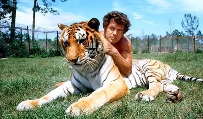 A murit Steve Hawkes, actorul care l-a interpretat pe Tarzan