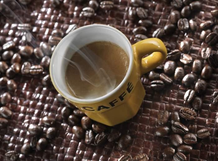 ÎNTREBAREA ZILEI: Cum poți să scapi de celulită, cu ajutorul cafelei. E mai simplu decât crezi