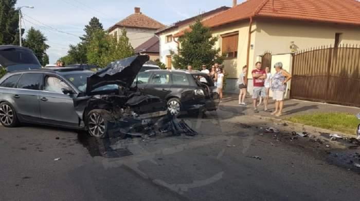 Accident grav în Satu Mare! A pierdut controlul și a lovit două mașini parcate