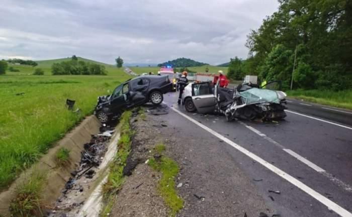 Accident grav în Braşov, Codlea! Doi oameni, scoşi aproape morţi din epava maşinii