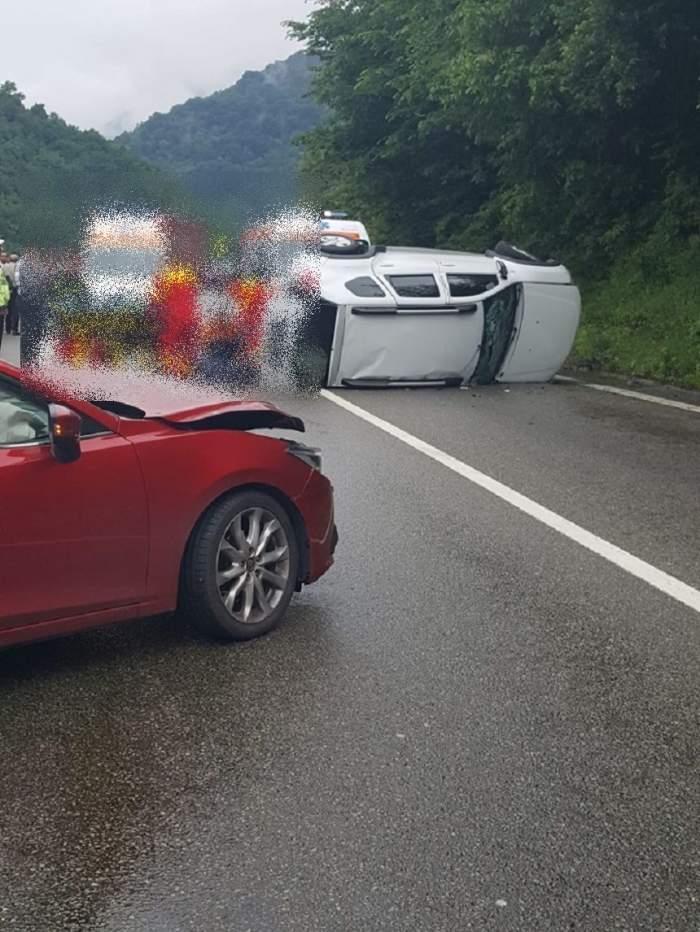 Accident grav, pe Valea Oltului! Patru persoane au fost transportate de urgenţă la spital