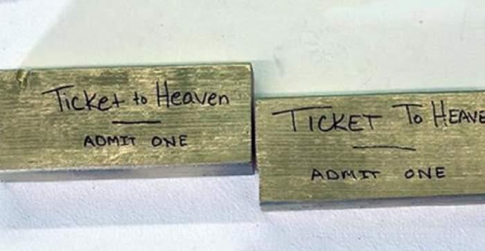 """Un pastor s-a îmbogăţit după ce a vândut """"bilete către Rai""""! Iată cât trebuia să scoată o persoană din buzunar"""