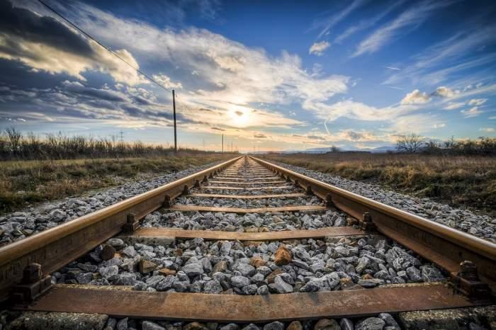 Un român a fost spulberat de tren, în Italia. A murit după 12 ore de chin în spital