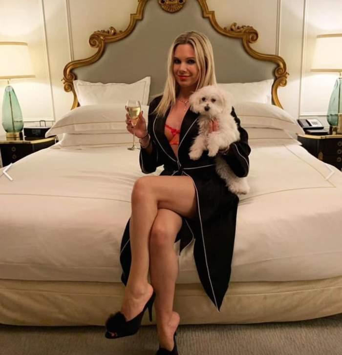 Iasmina Milutinovici Hill, românca măritată cu milionarul care deţine Statuia Libertăţii, şi-a revenit excelent după naştere. Are o siluetă beton