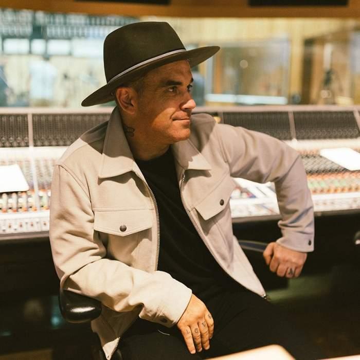 """Robbie Williams vine în România cu un """"commando"""" împotriva... extratereştrilor! Se teme că ar putea fi răpit"""