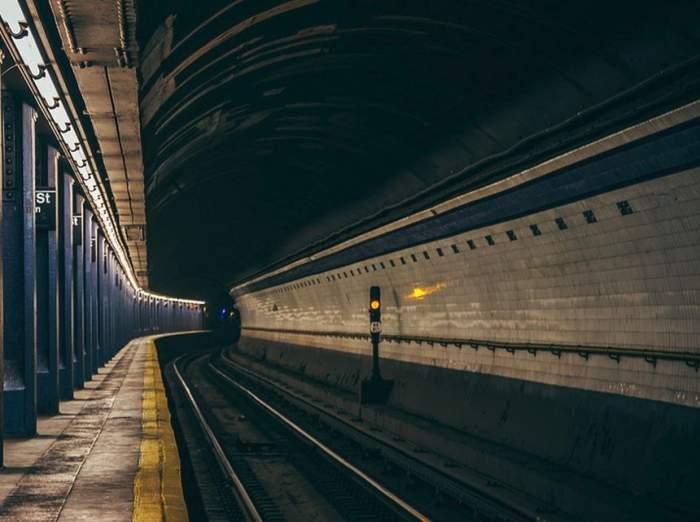 Incident şocant la metrou. O femeie a fost înjunghiată mortal / VIDEO