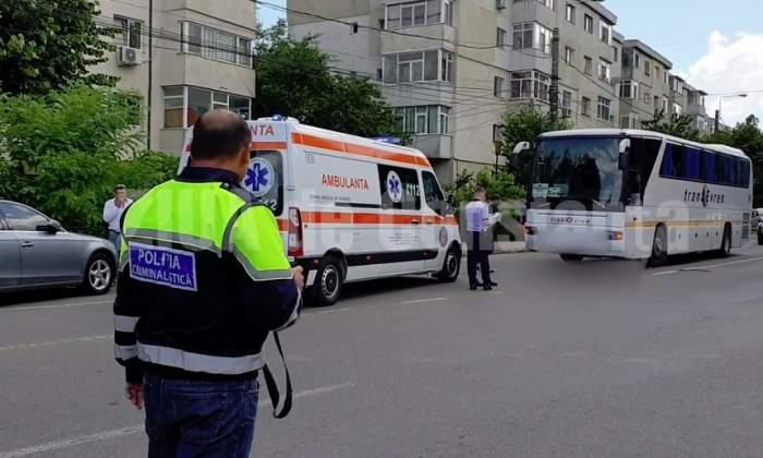 O femeie din Constanţa a sfârşit sub roţile unui autobuz! Şoferul nu a avut timp să reacţioneze