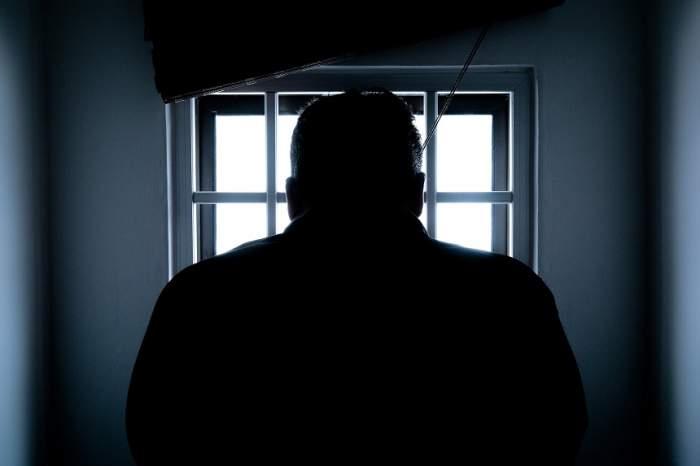 Poliţiştii sunt în alertă! A evadat un deţinut de la Penitenciarul Arad
