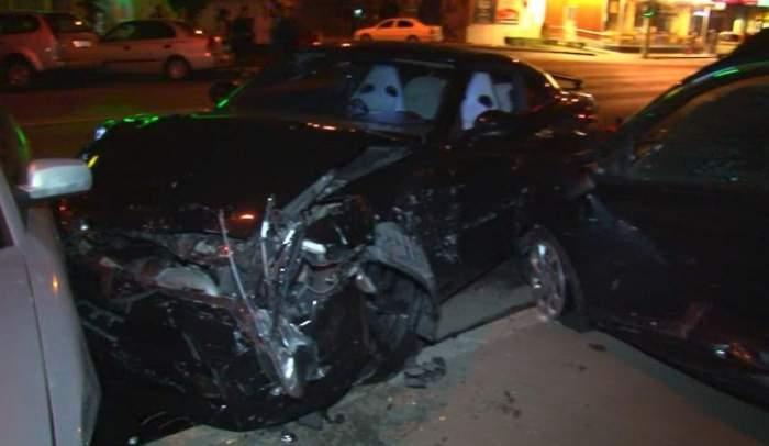Un tânăr de 24 de ani din Piteşti, băut bine, a făcut prăpăd în oraş. A distrus un semafor şi a intrat în plin în maşinile poliţiştilor