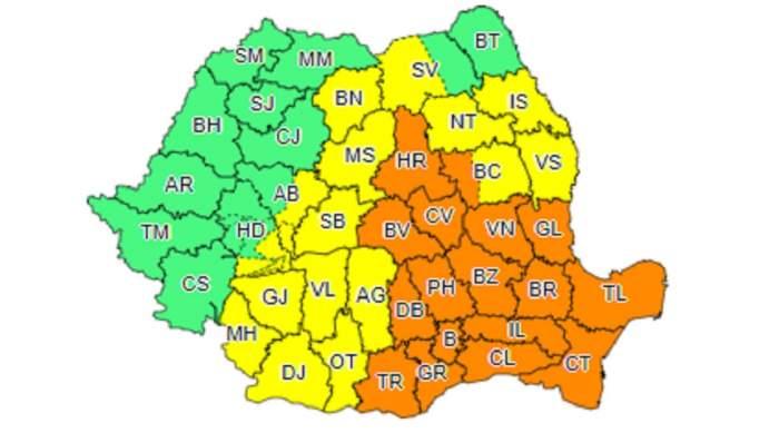 Ploile pun stăpânire pe România! Cod galben şi portocaliu de vijelii, până joi