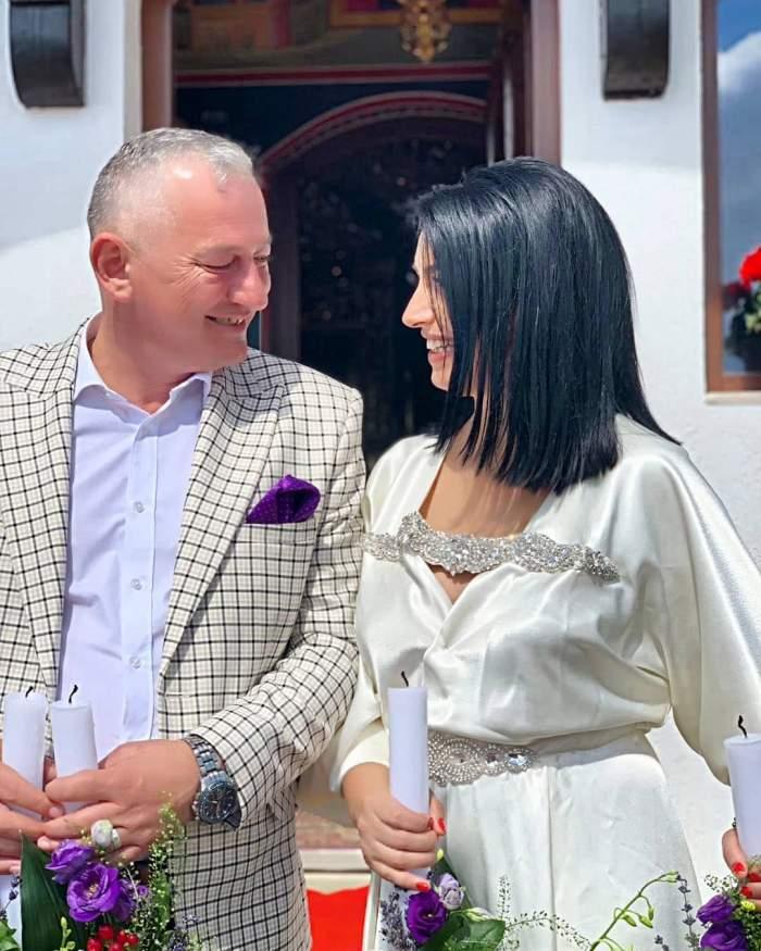 """Mirela de la """"Insula iubirii"""" s-a cununat religios. Primele imagini de la nuntă. FOTO"""