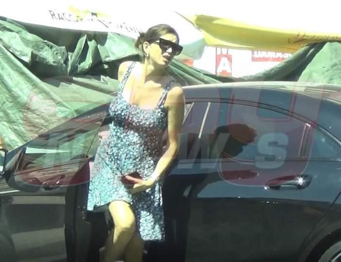 VIDEO PAPARAZZI / Ghinionul, bată-l vina! Cristina Spătar a rămas cu fundul la vedere, în amiaza mare! Imagini explicite