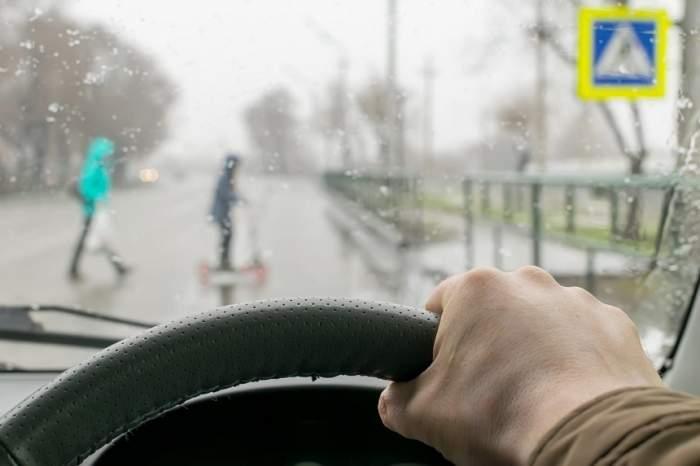 Copil de 8 ani, prins în timp ce gonea pe autostradă din Germania cu 150 de km/h. Cum s-a petrecut totul