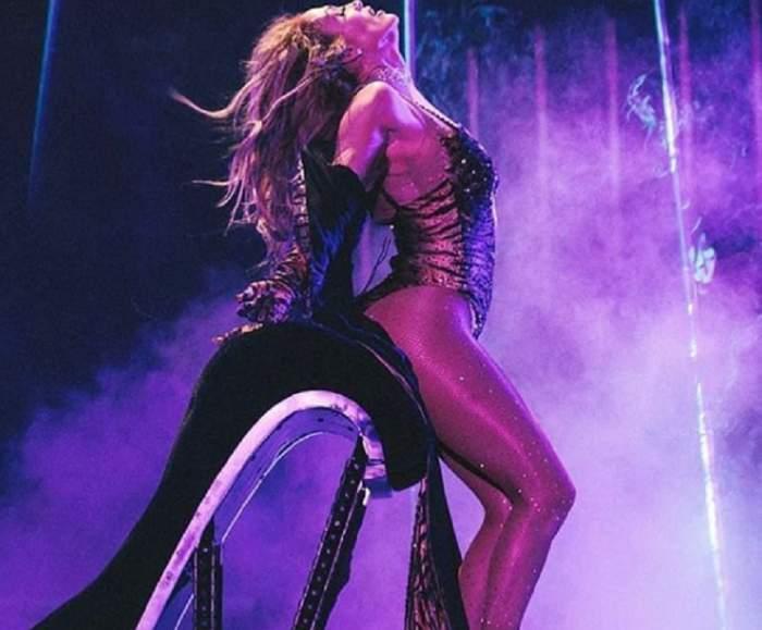 """A vrut să fie super hot, dar a gafat! Jennifer Lopez, cu chiloțeii de """"bunică"""" la vedere. Fanii și-au dat coate!"""